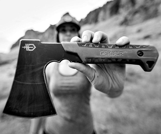 gerber-pack-hatchet-camping-axe-awesomage